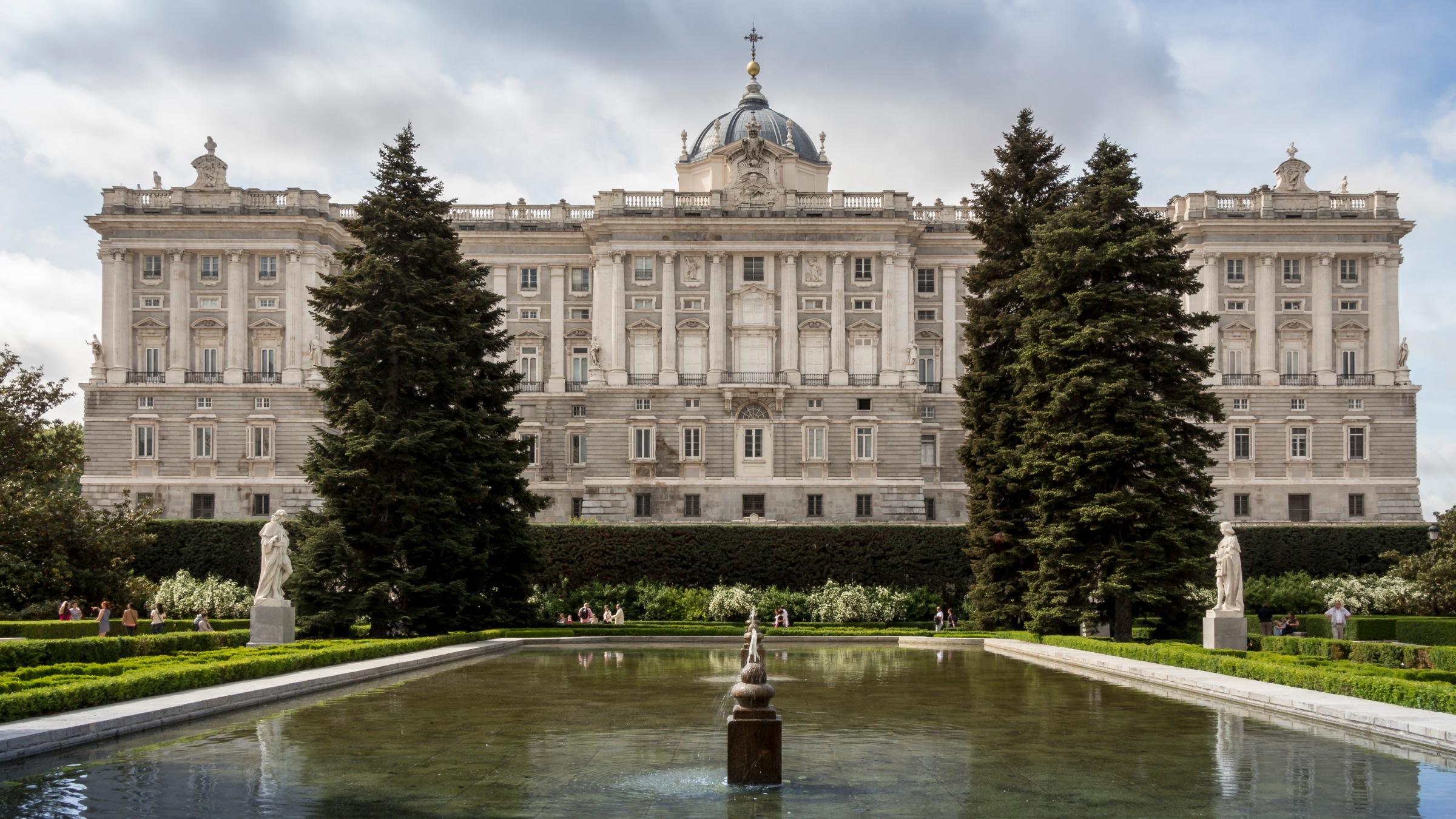 Jardines de sabatini, palacio real de madrid